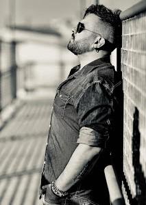 """E' disponibile su tutte le piattaforme digitali """"Io ti conosco da sempre"""", il nuovo singolo del cantautore lucano Mauro Tummolo.  https://spoti.fi/39eNcA8  Un lungo percorso di analisi quello del […]"""